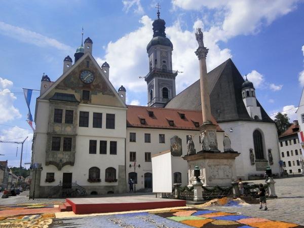 City Hall+Statue 2