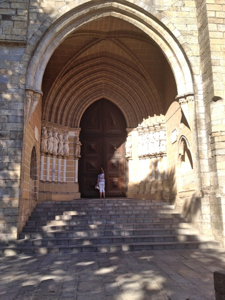 Évora Sé Cathedral Entrance and 12 Apostles
