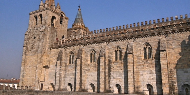 Évora Sé Cathedral Side View